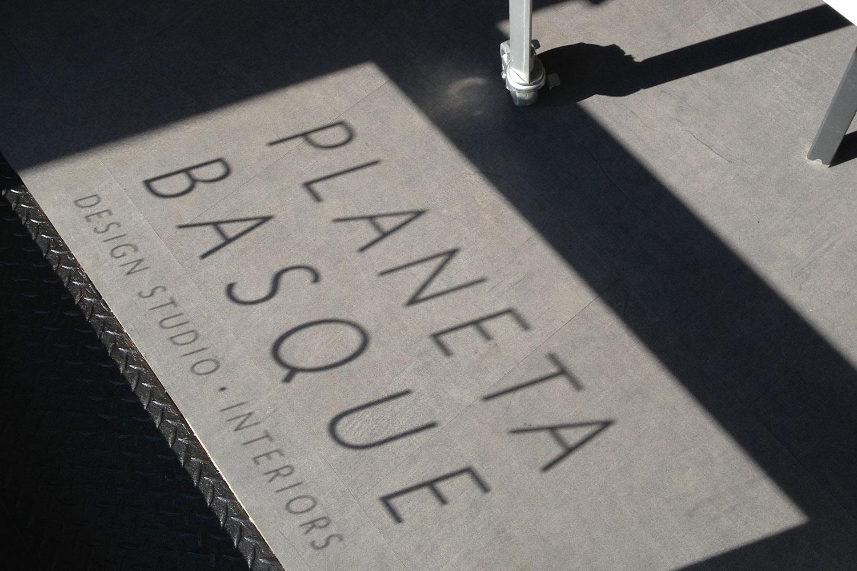 Planeta_Sign
